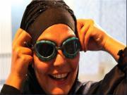 ۱۲ ساعت شنا با حجاب اسلامی