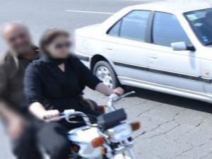 موتورسواری بانوان,ممنوعیت موتورسواری بانوان,دستگیری دو موتور سوار زن,موتورسواری بانوان در قانون,shabnamha.ir,شبنم همدان,afkl ih